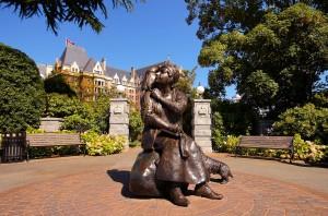 statue emily carr